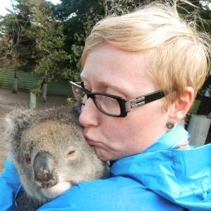 Jag myser med en koala på Pauls Place på Kangaroo Island, Australien
